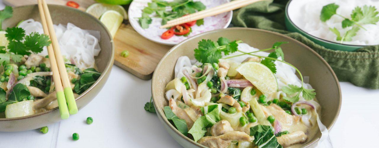 Thaise groene curry met kip en paksoi