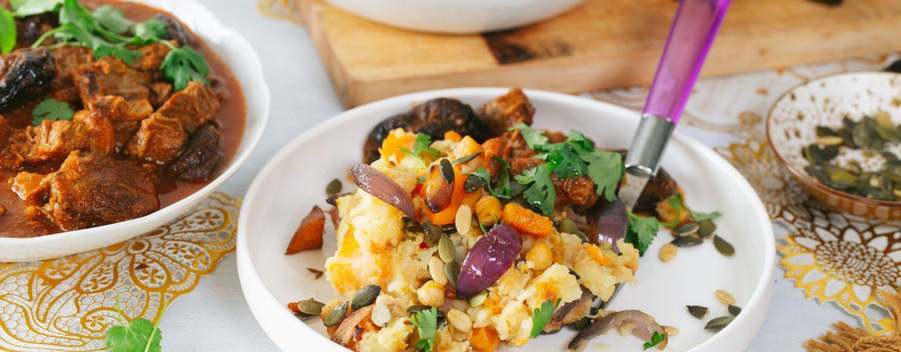 Kruidige stamppot met pompoen zoete aardappel en kikkererwten