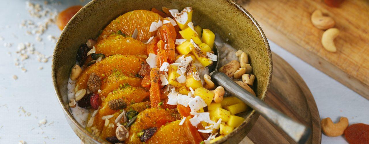 Overnight oats met kokosmelk en fruit